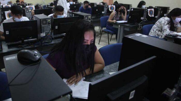 Bachilleres que no dieron el Test Transformar deben esperar a la convocatoria del 2022